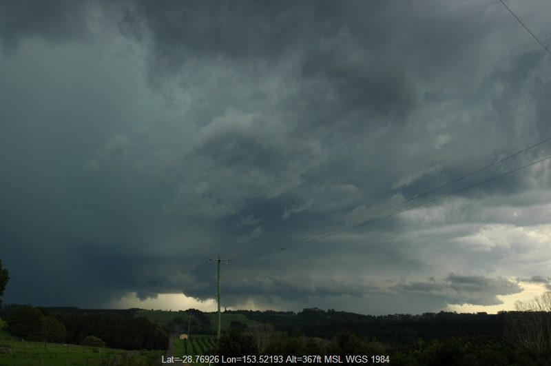 20051217mb060_thunderstorm_wall_cloud_knockrow_nsw