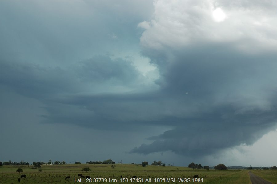 20061214mb47_thunderstorm_wall_cloud_mckees_hill_nsw