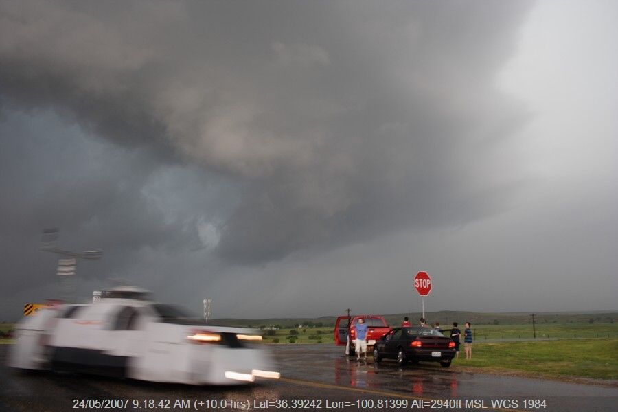 20070523jd32_thunderstorm_wall_cloud_se_of_perryton_texas_usa