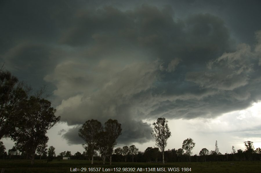 20081115mb38_thunderstorm_wall_cloud_myrtle_creek_nsw