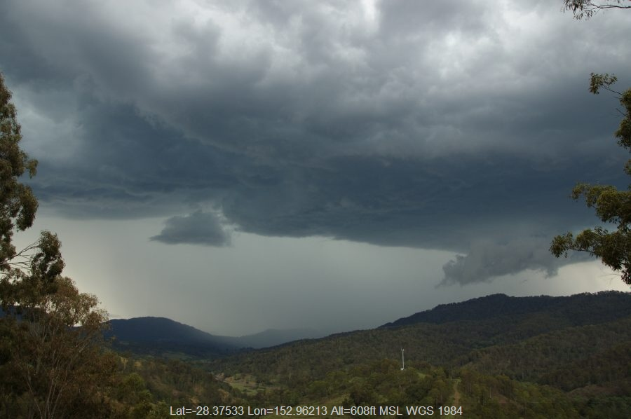 20081116mb28_thunderstorm_wall_cloud_cougal_nsw