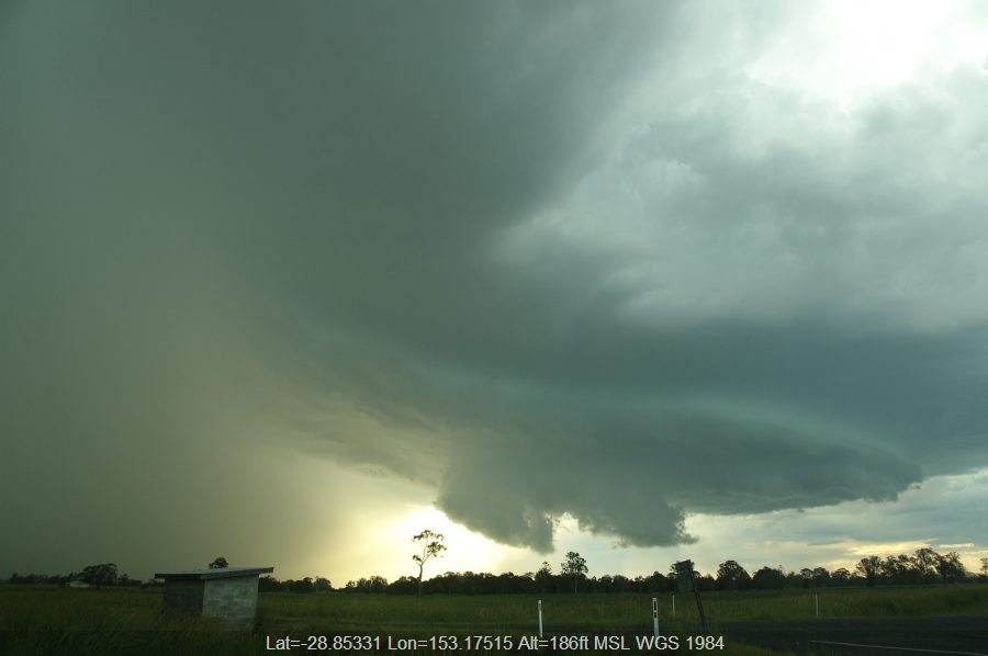 20081210mb44_thunderstorm_wall_cloud_mckees_hill_nsw