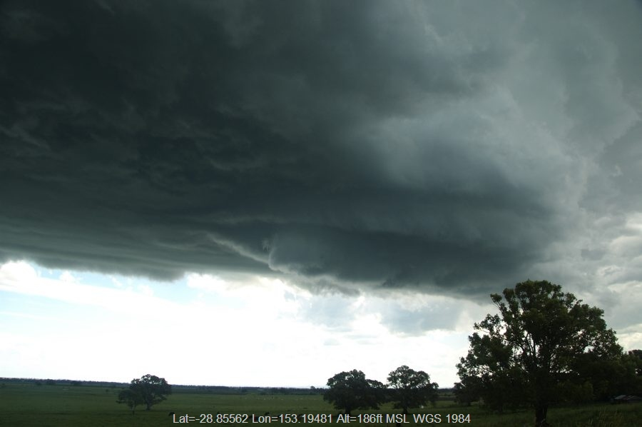 20081230mb030_thunderstorm_wall_cloud_mckees_hill_nsw