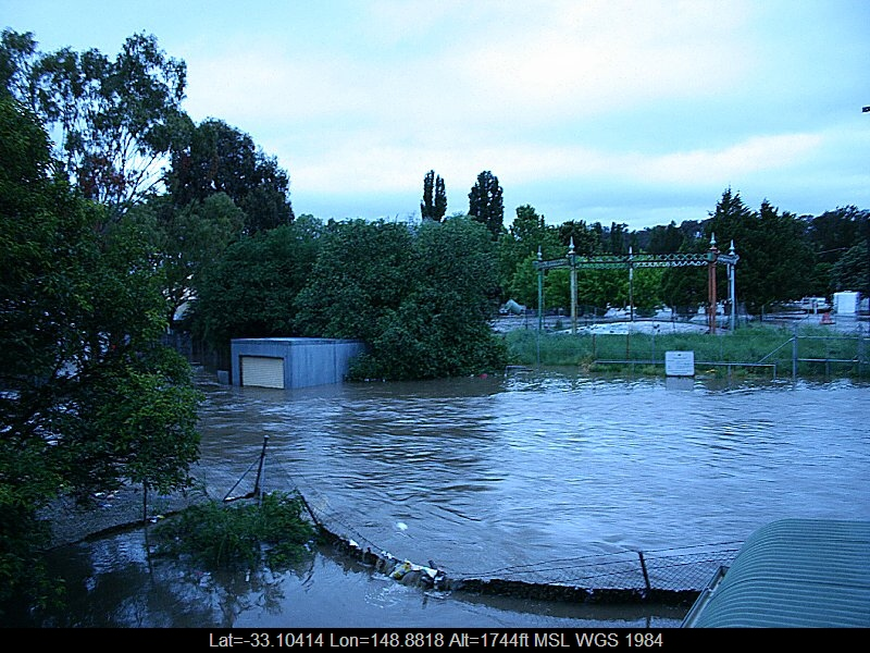 20051108jd05_flood_pictures_molong_nsw