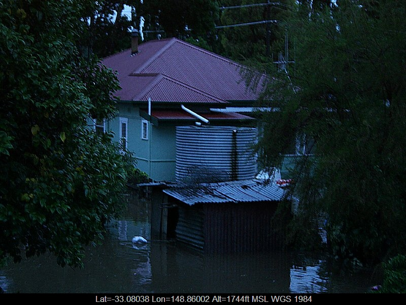 20051108jd11_flood_pictures_molong_nsw