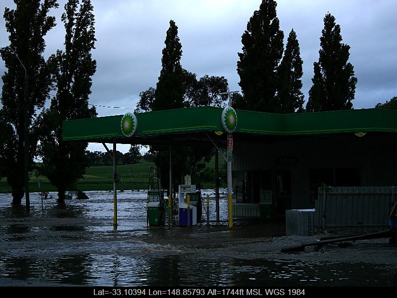 20051108jd19_flood_pictures_molong_nsw