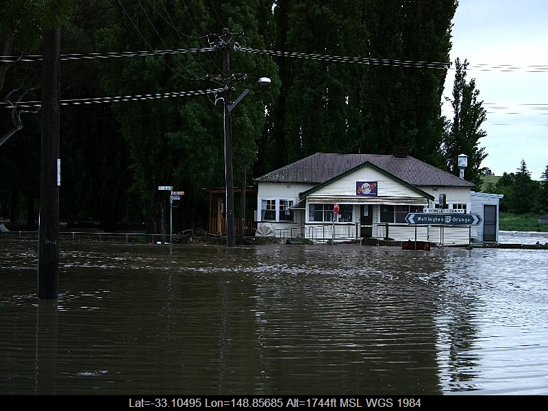 20051108jd20_flood_pictures_molong_nsw