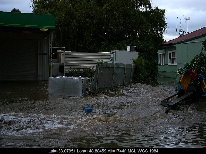 20051108jd21_flood_pictures_molong_nsw