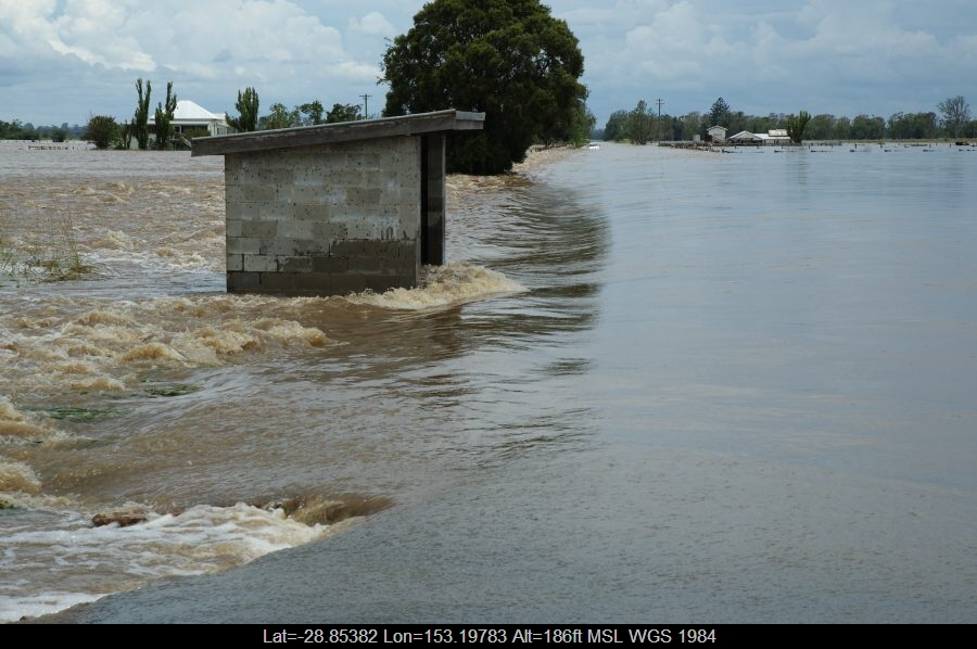 20080106mb27_flood_pictures_mckees_hill_nsw