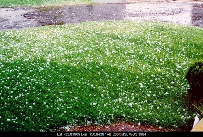 19960205mb09_hail_stones_horsley_park_nsw