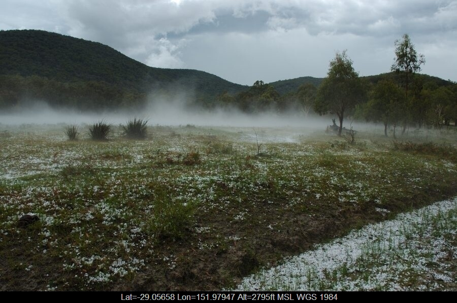 20070210mb34_hail_stones_s_of_tenterfield_nsw