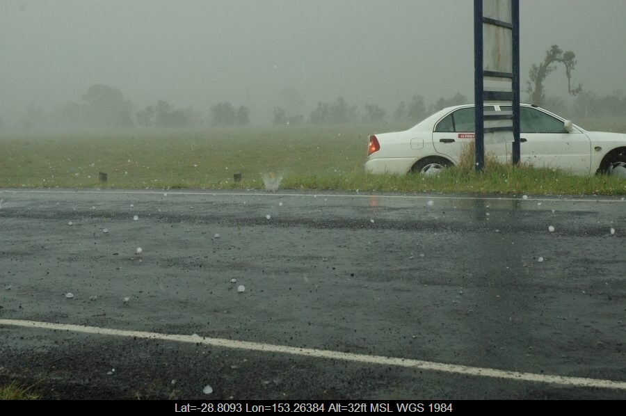 20071009mb35_hail_stones_south_lismore_nsw