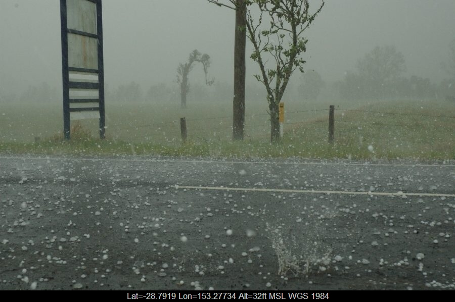 20071009mb49_hail_stones_south_lismore_nsw