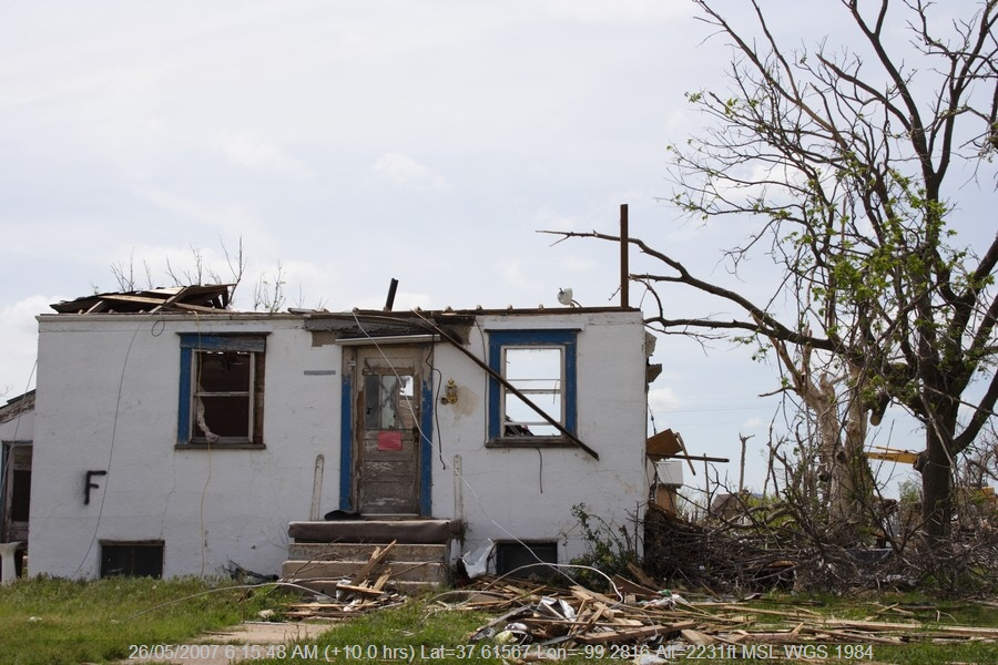 20070525jd188_storm_damage_greensburg_kansas_usa