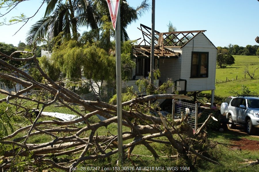 20071027mb27_storm_damage_dunoon_tornado_nsw