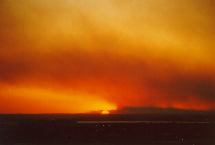 19901214mb02_wild_fire_coogee_nsw