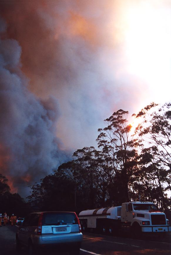 20021204jd09_wild_fire_glenorie_nsw