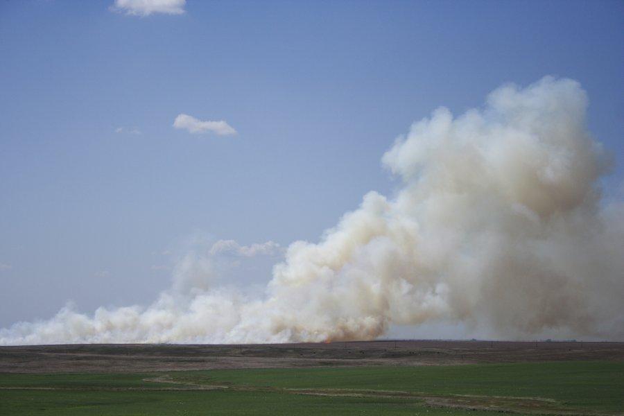20060527jd01_wild_fire_gettysburg_south_dakota_usa