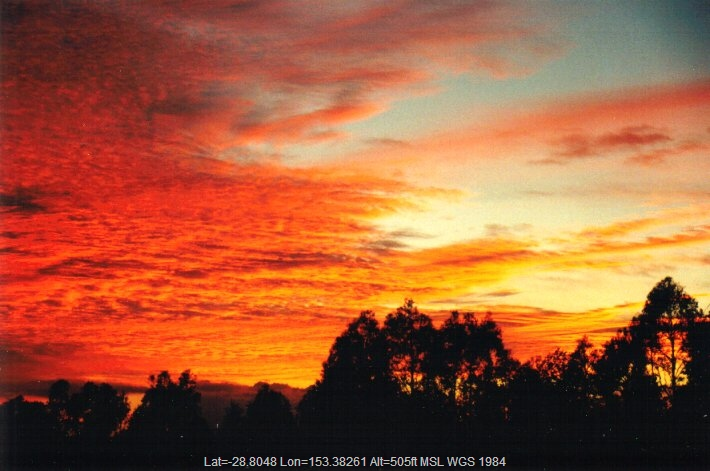 20010130mb01_sunrise_pictures_mcleans_ridges_nsw