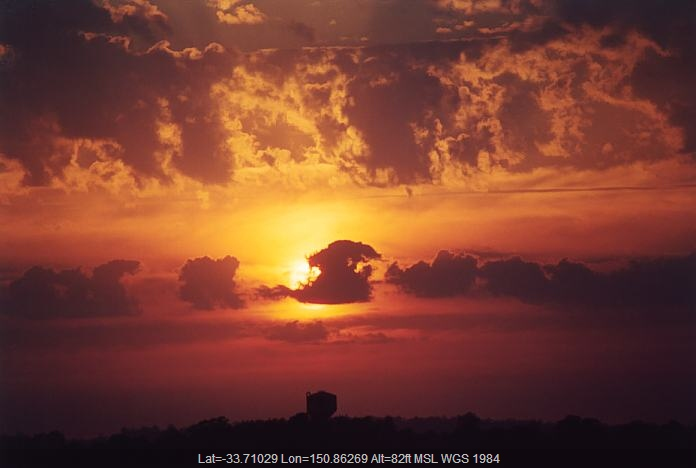 20011105jd04_sunrise_pictures_schofields_nsw
