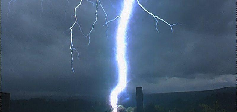 Lightning Bolt from the past Dorrigo