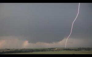 El_reno_tornadic_supercell_lightning