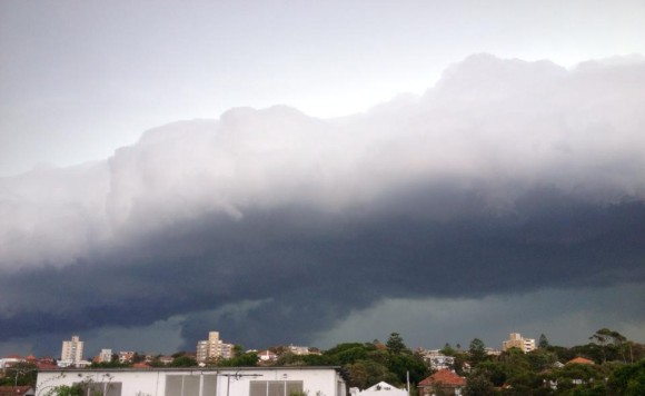 Shelf Cloud Storms Sydney 5th March 2014