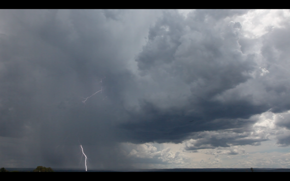 Lightning-luddenham-4th-january-2015-06
