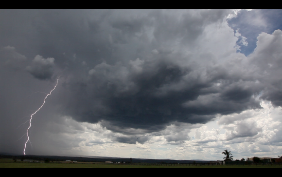Lightning-luddenham-4th-january-2015-09