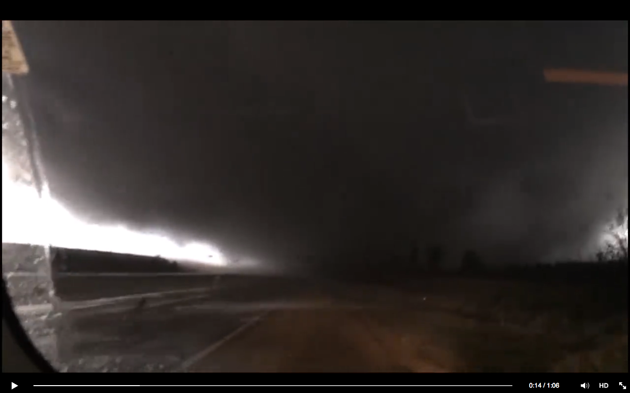 IIlinois Tornado 9th April 2015