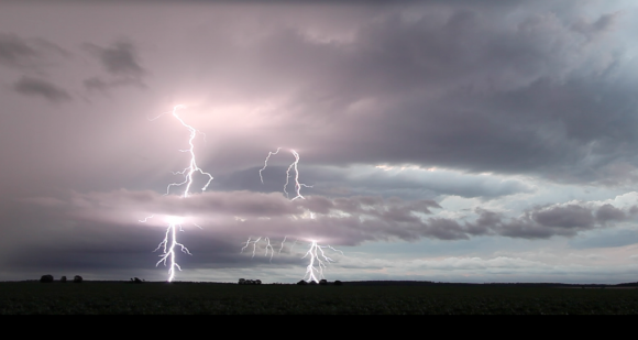 Lightning near Billa Billa Qld