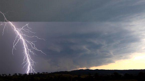 Staccato lightning
