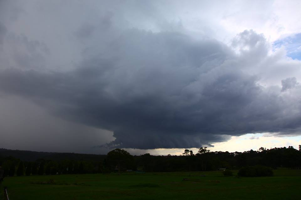 Glenorie Supercell with Wall cloud 21st March 2017 - Extreme Storms