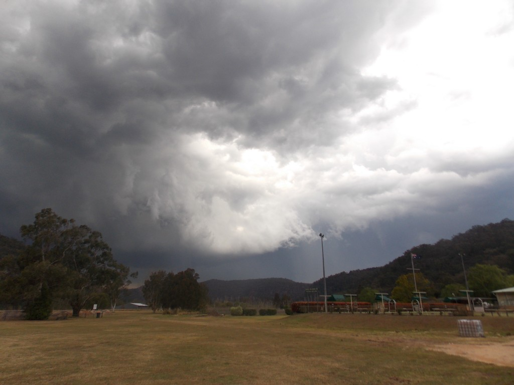 18/9/12 Colin on storms from kurrajong to south maroota 6