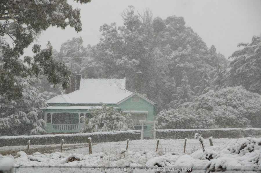 20080518mb62_snow_pictures_guyra_nsw