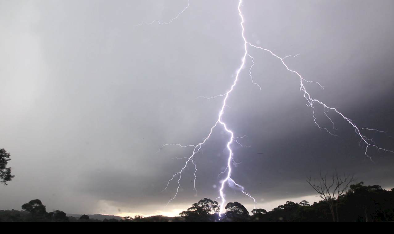 Incredible staccato lightning