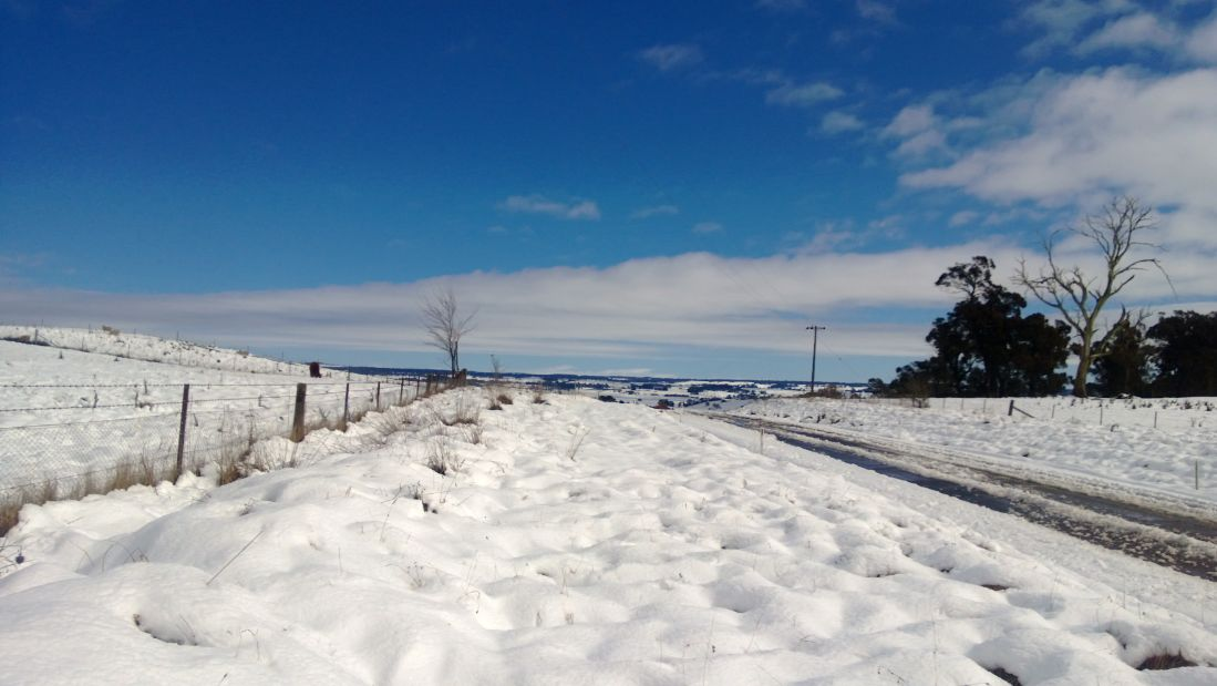 Images of the snow event Taralga NSW - 17 July 2015