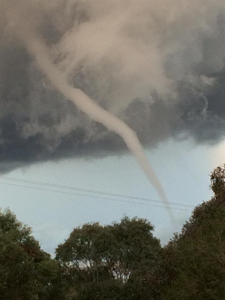 Dubbo Tornado and large to giant hailstones eastern NSW