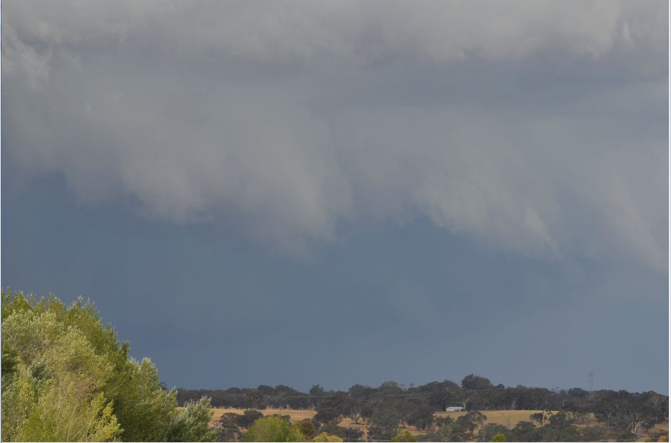 Spectacular storm cells Conroys Gap to Yass NSW 30/1/2016
