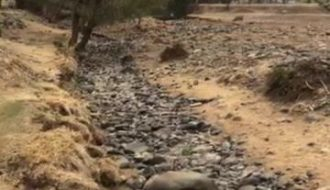 Spectacular Flash Flood of a dry river bed So dry across most of Australia but ...