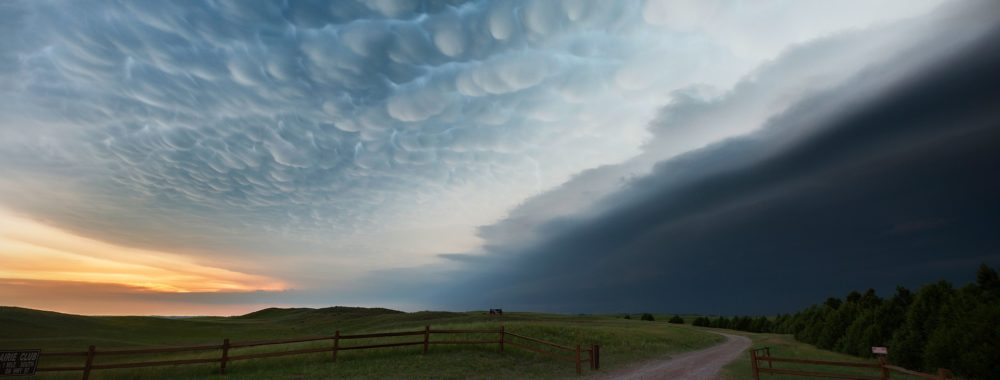 'Storm approaching'   Missing tornado alley   I remember this amazing ...