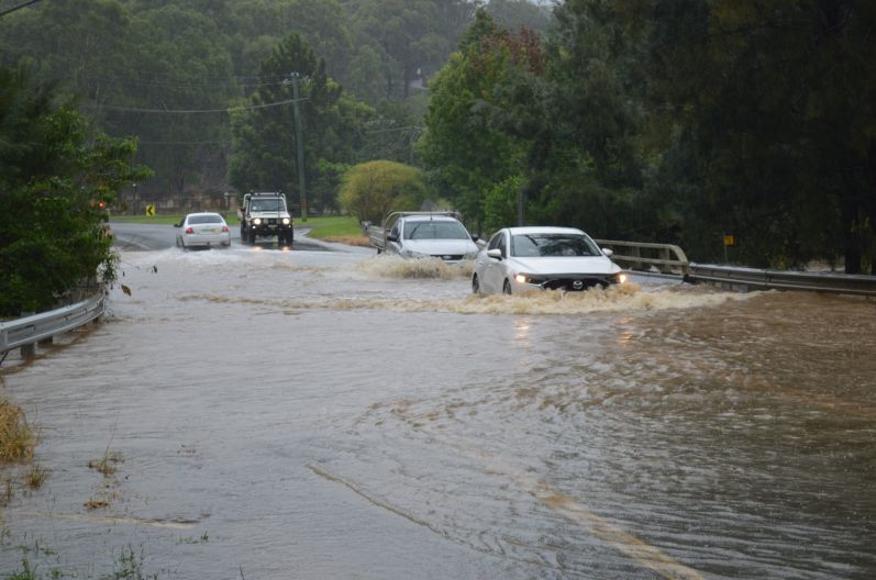 Major flooding with photos at Richmond and Windsor - 21 March 2021